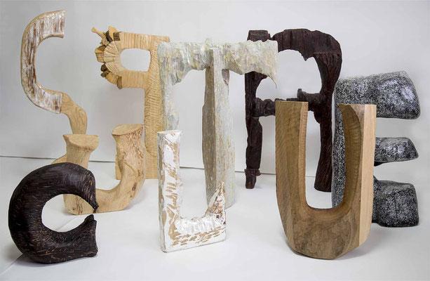 SCULPTURE H 180 × W 240 × D 95 cm ( Including pedestal) Wood,Pigment,Pigment,Metal leaf,Shel,Colored pencils,Drying oil,Urethane paint,Acrylic resin emulsion 2019