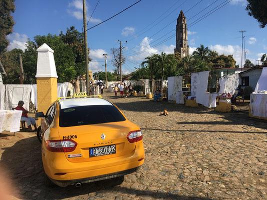 Un taxi Renault à Manaca Iznaga
