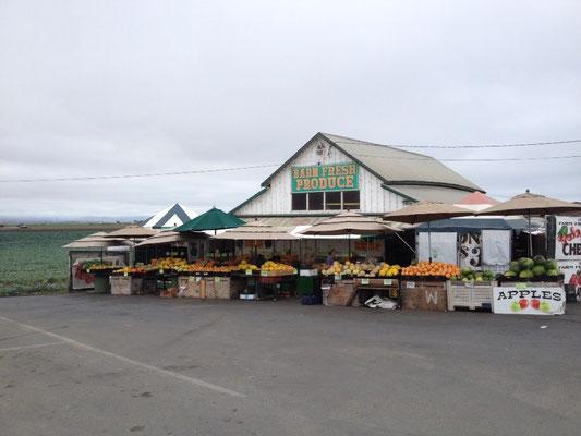 Vente de fruits et légumes en bord de route