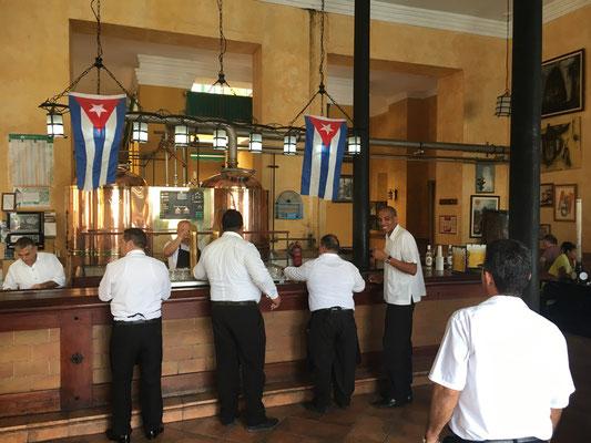 Une brassserie plaza Vieja, La Havane