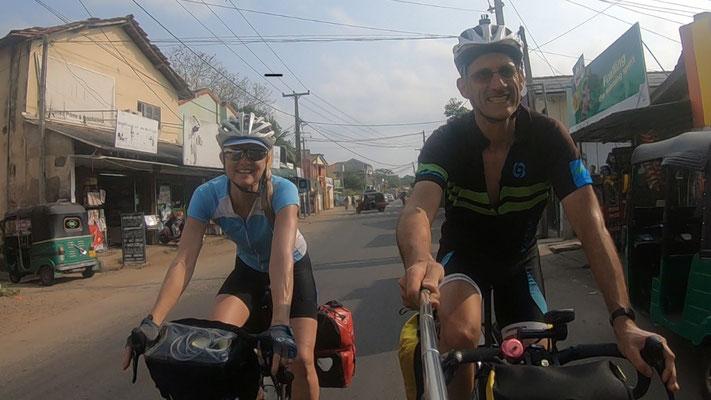 Arrivée à Negombo après 900km de vélo