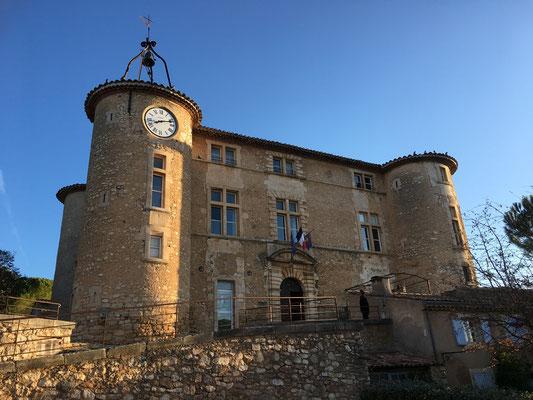 Etape au château de Rustrel