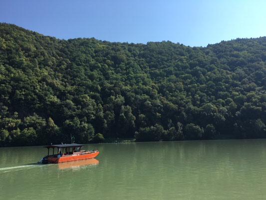 Bac pour traverser le Danube