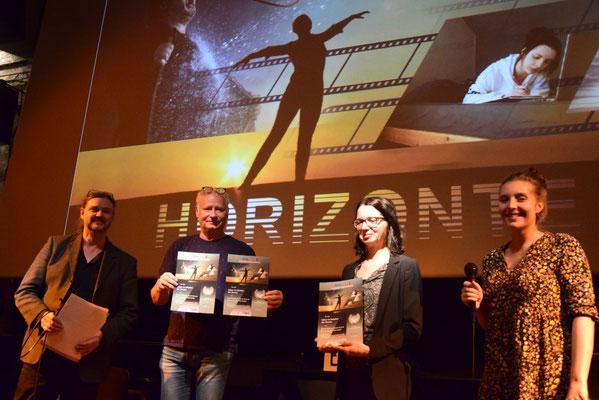 """Preise für """"Leben im Schatten der Grenze""""  Zeitzeugencollage von Saskia, Emma  & Sarah mit dem Grenzlandmuseum Eichsfeld und dem TMBZ Gera"""