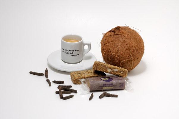 Stilleben Immersatt Müsliriegel Espresso Kokos