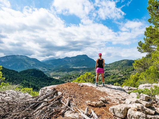 Mehrtagestrekking auf dem GR 221 auf Mallorca - Etappe 6 der Wanderung von Esporles nach Valldemossa.