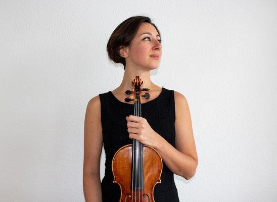 Cecilia Ferron, Geigerin und Geigenlehrerin, Violinunterricht per Skype und Zoom