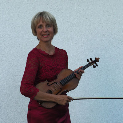 Maria Andersohn, violinist, learn violin with a concert master