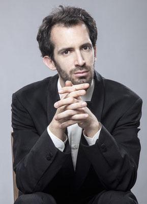 Daniel Seroussi, concert pianist, piano teacher online per video call