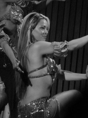 Bailarina ( Danzas Arabes ,Natalia Karim Ballet )