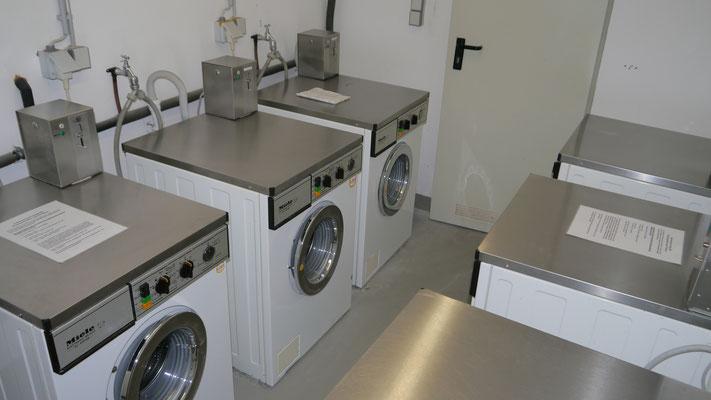 Münzwaschmaschinen in der Residenz Meeresbrandung