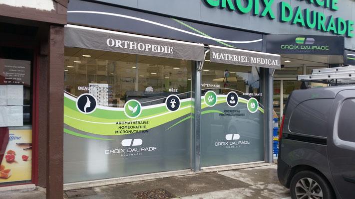 Marquage adhésif vitres pharmacie