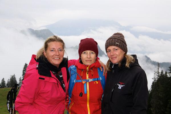 Nachmittagswanderung - die drei Mädels vom Maiensäss...