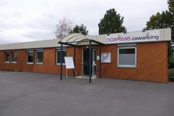 L'espace de travail partagé Dormans coworking est situé 4 Rue de la Gravière à Dormans.