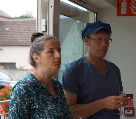 De gauche à droite : Elodie Cotin, directrice artistique, et Sébastien Weber, auteur, au sein de la Compagnie Le Diable à 4 Pattes.