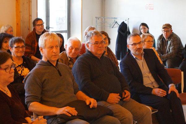 de gauche à droite : Eric Assier, maire de Condé-en-Brie, Michel Hazard, viticulteur condéen, Dominique Moyse, conseiller régional Hauts-de-France.