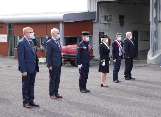 De gauche à droite : Régis Coutant, Patrick Desautels, le Colonel Pierre Masson, Emmanuelle Guénot, Michel Courteaux et Christian Bruyen.