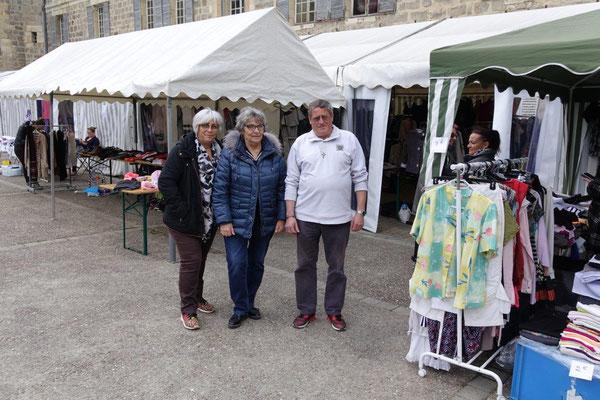 De gauche à droite : Valérie Robinard, Jacqueline Guiborat, secrétaire, et Christian Grandpierre, adhérent du comité des fêtes.