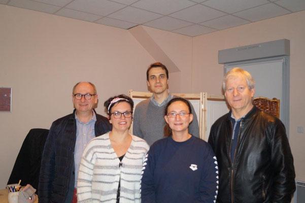 Au premier plan, de gauche à droite : Emilie Verliat et Claire Brely. A l'arrière plan de gauche à droite : Etienne Haÿ, Matthieu Corpel, médecin généraliste et Eric Assier.