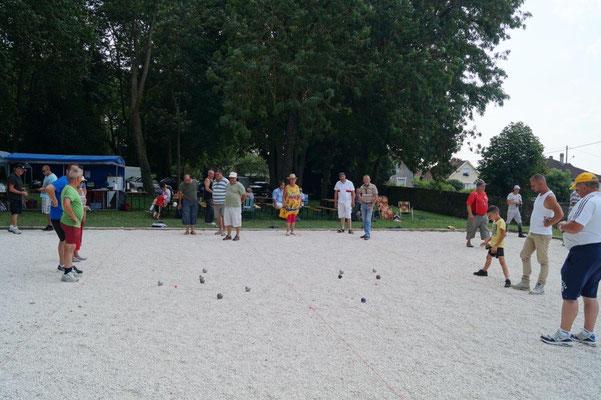 L'ABD organise ses concours de pétanque sur le boulodrome rénové, situé dans le parc du château de Dormans...