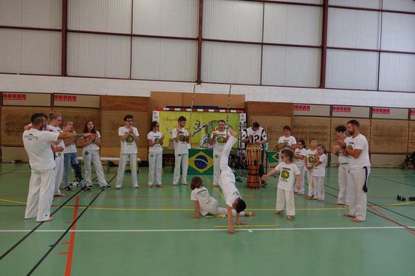 La capoeira allie sport et dépaysement.