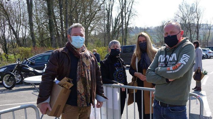 De gauche à droite :  Le maire Arnaud Battefort, également vice-président de la Communauté de Communes du Val de l'Aisne en charge du tourisme et trésorier de l'association Maires Ruraux 02-AMRF, et Georges Lefèbvre.
