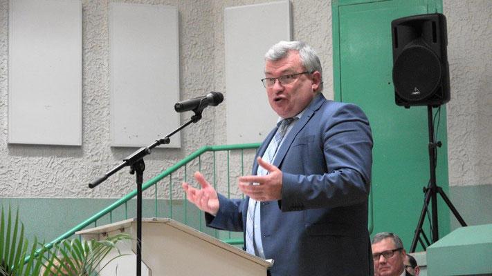 Christian Bruyen, ancien maire de Dormans, est désormais le président du Conseil départemental de la Marne et le président de la Communauté de communes des Paysages de la Champagne.