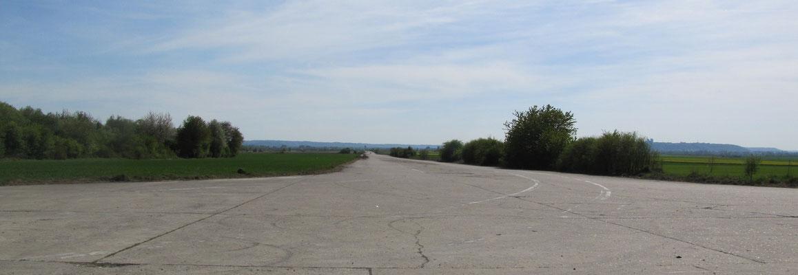 L'ancien aérodrome militaire de l'OTAN de Laon-Athies où seront construites les cinq centrales solaires...