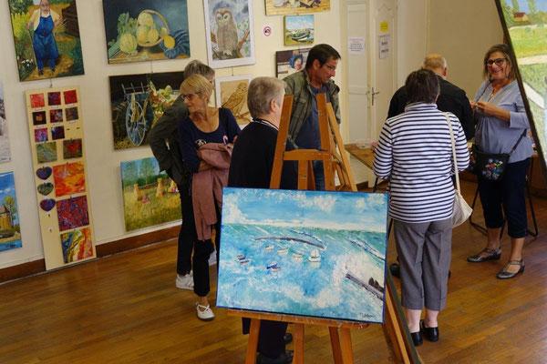 Les expositions de l'atelier libre attirent leur public.