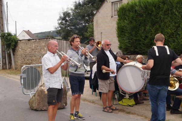 Les musiciens de la fanfare belge d'Harelbeke assurent pendant 2 jours.