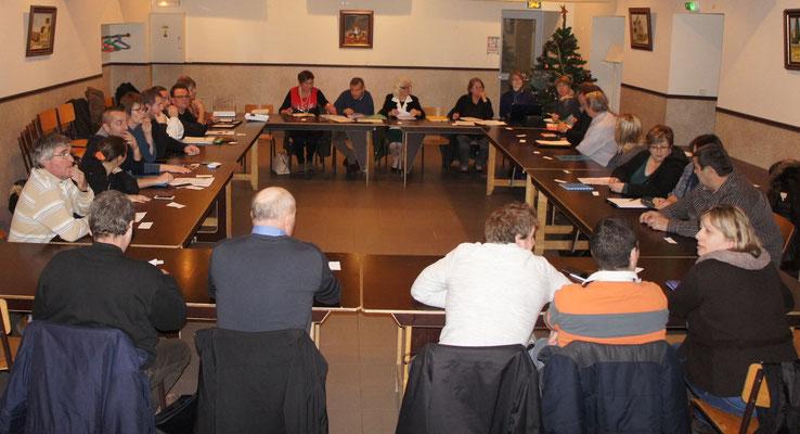 Vallées-en-Champagne  l'assemblée des élus des communes historiques