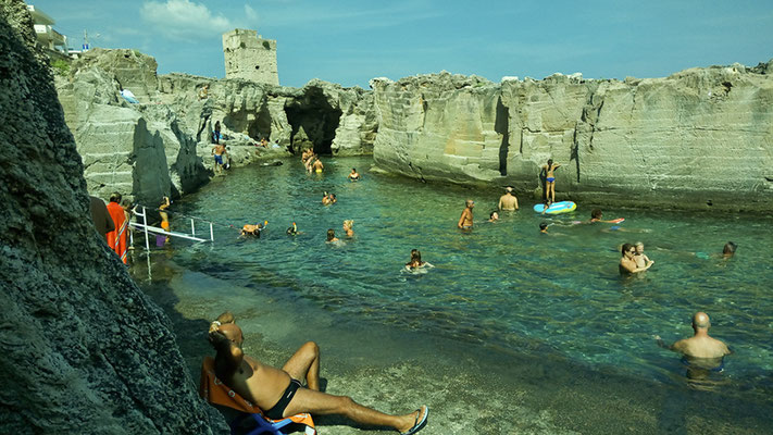 Piscina nel mare di Marina di Serra