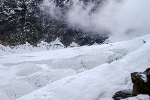 An impressing glacier was waiting for us after the short climb over the Festijoch