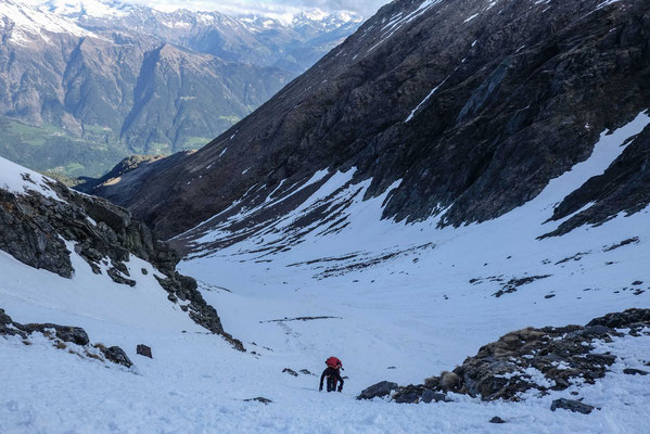 Ascent of the Hirzer passage (2683 m). (21.05.)
