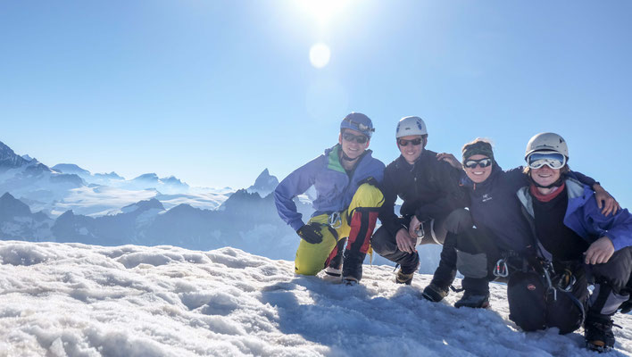The next higher level: the top of Pigne D'Arolla (3790 m)