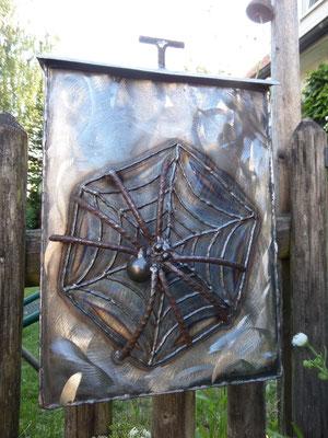 Briefkasten Spinne