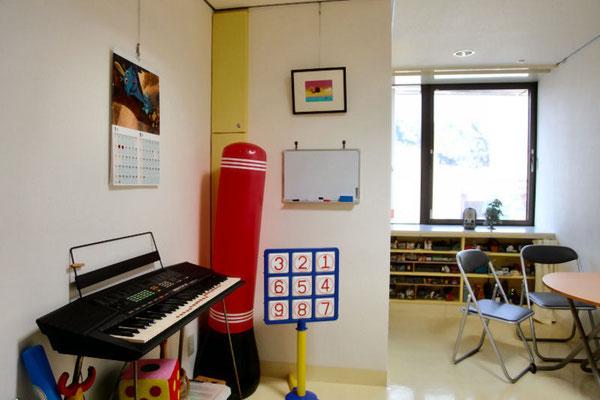 面接室イエロー:幼児、児童向けのプレイルーム