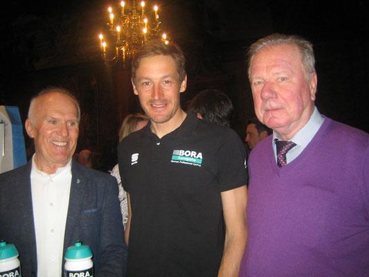 v.l. BRV-Ndby Vorsitzender Josef Stöckl, Marcus Burkhardt, BRV Ndby FW Medien Gottfried Paulus