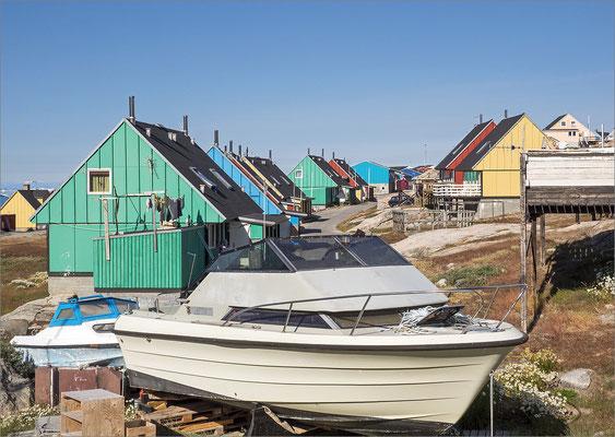Ilulissat - Boot und Häuser