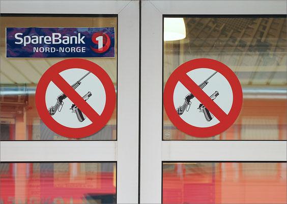 Longyearbyen - Bank keine Schusswaffen
