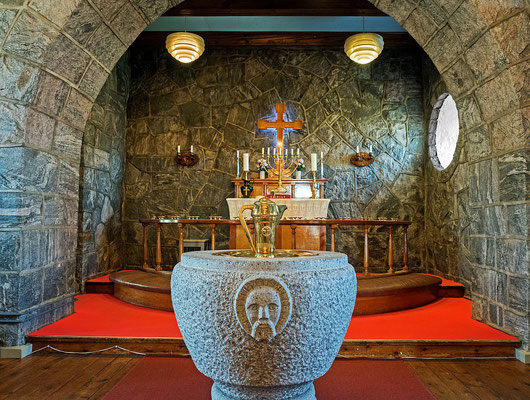 Uummannaq - Feldsteinkirche