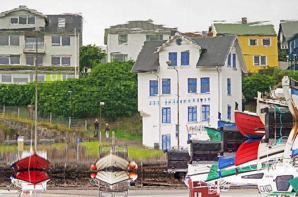 Färöer Tórshavn - Hafen Spiegelung gedreht