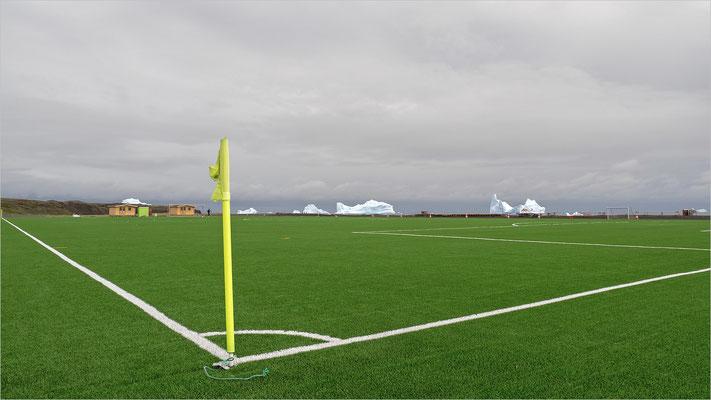 Qeqertarsuaq Fussballplatz