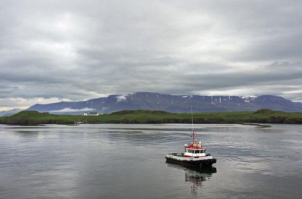 Island Reykjavík - Blick auf Viðey und den Berg Esja (2015)