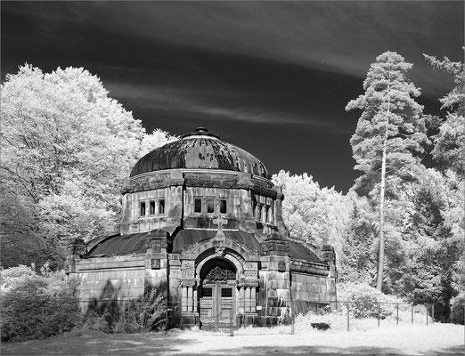 Friedhof Ohlsdorf - Mausoleum Baron von Schröder
