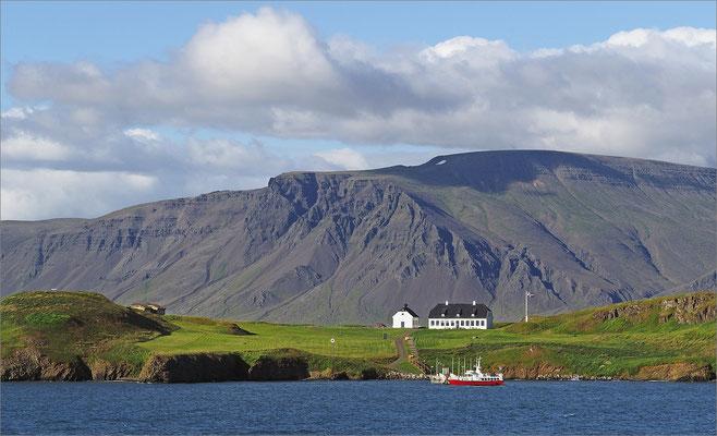 Island Reykjavík - Blick auf Viðey und den Berg Esja (2016)