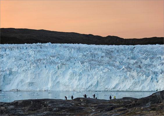 Eqi - Gletscher mit Fotografen