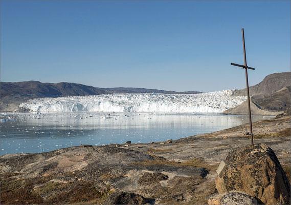 Eqi - Kreuz mit Gletscher