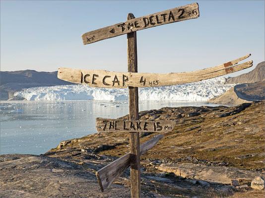 Eqi - Gletscher mit Wegweiser