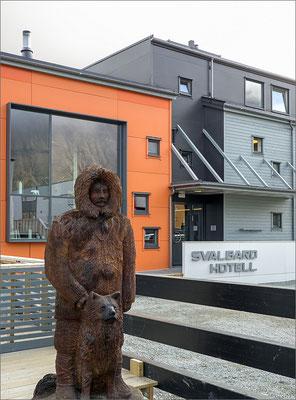 Longyearbyen - Svalbard Hotell Hauptgebäude